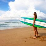 サーフィンをやるなら車はハイエースが快適